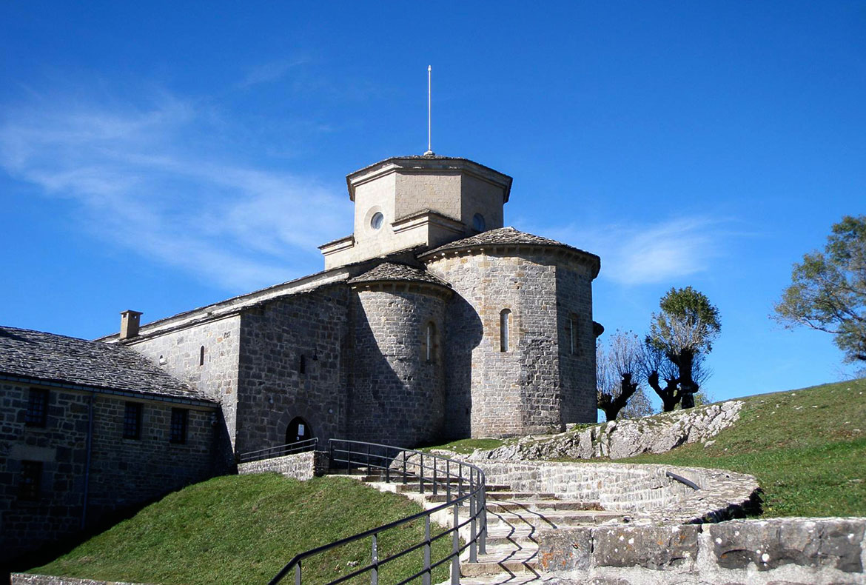 Santuario San Miguel de Aralar